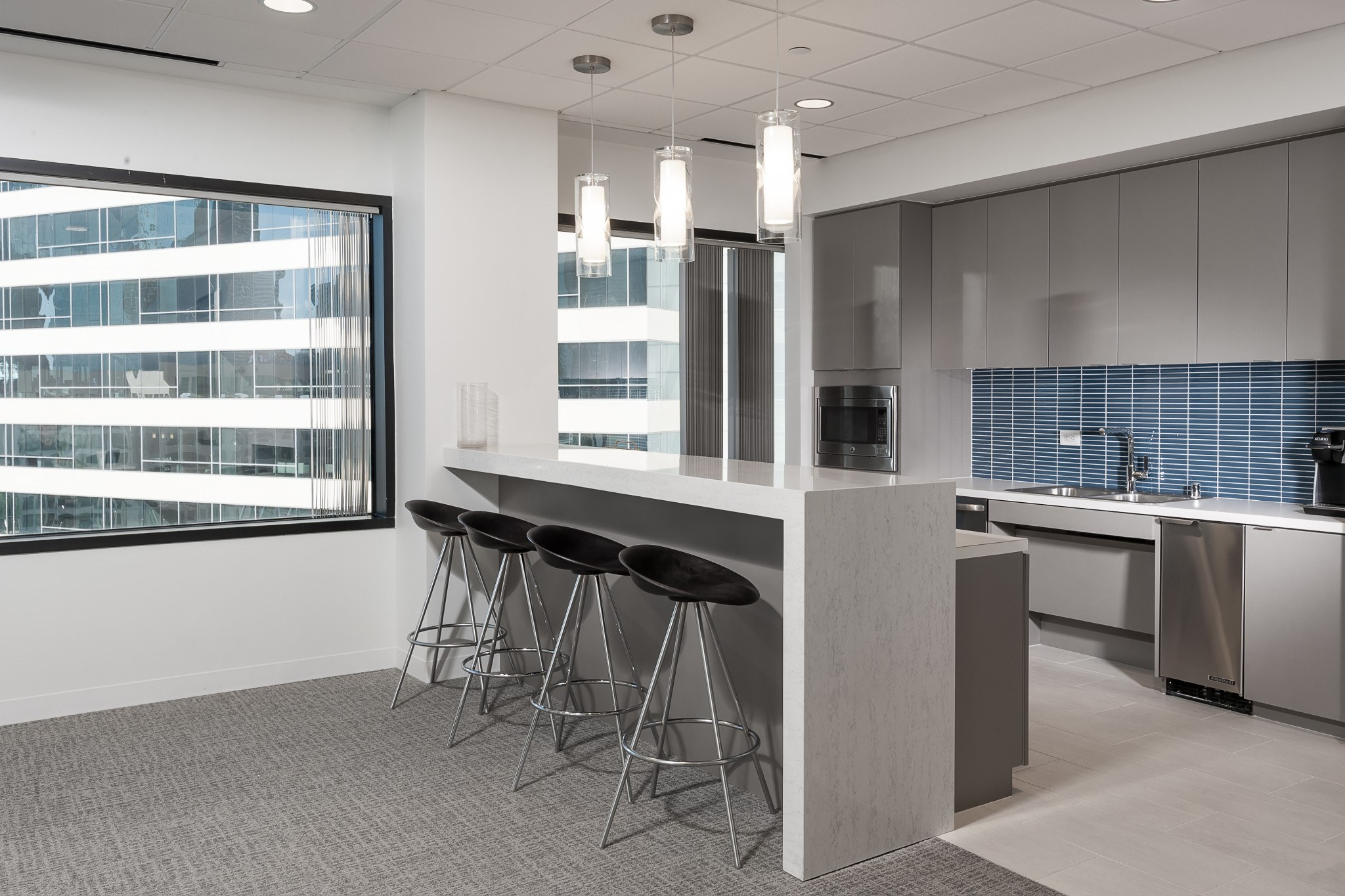 Nix, Patterson and Roach - Gordon Highlander - High Rise Office Project - Breakroom