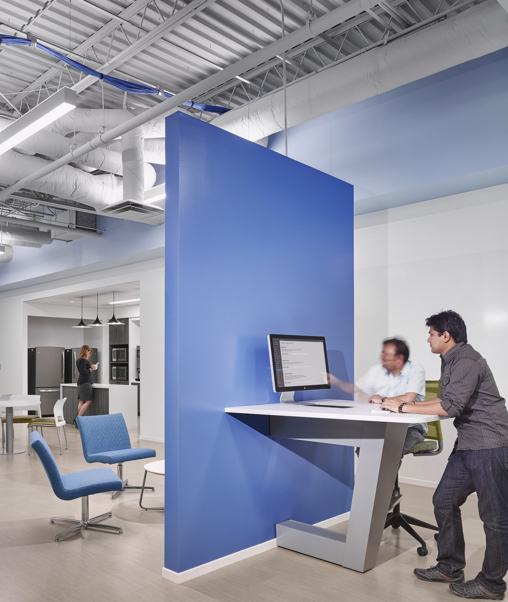 Valtech - Gordon Highlander -High Rise Office Project - Breakroom and Collaboration