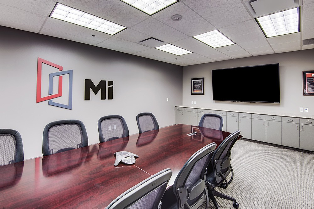 MI-Windows-gordon-highlander-high rise industrial project-conference room
